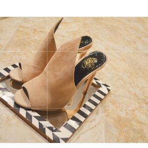 Lulu Tan Leather Pointy Sandals.
